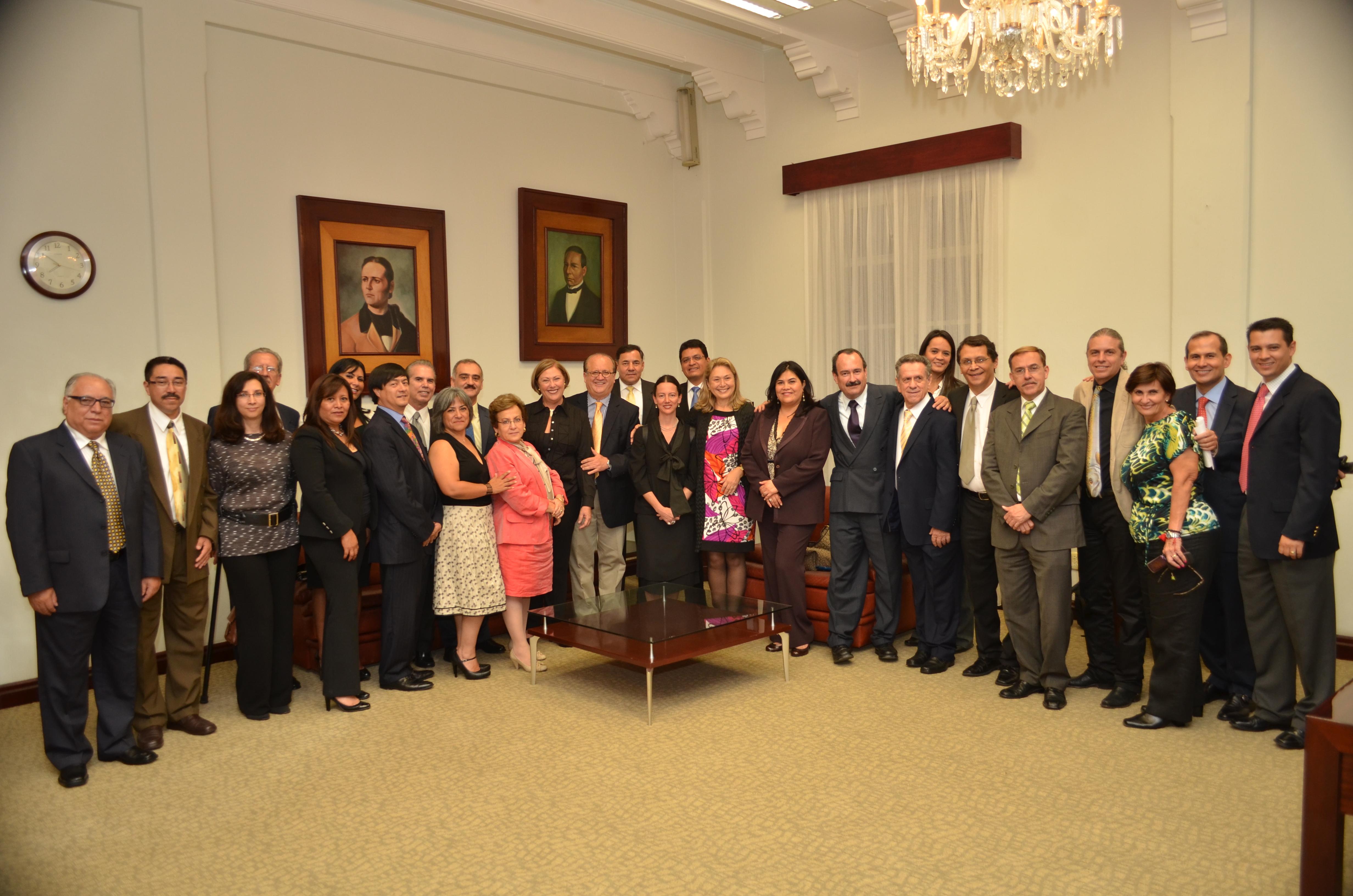 CURRÍCULUM DE LOS NUEVOS FUNCIONARIOS DEL GOBIERNO DEL ESTADO 2012 ...