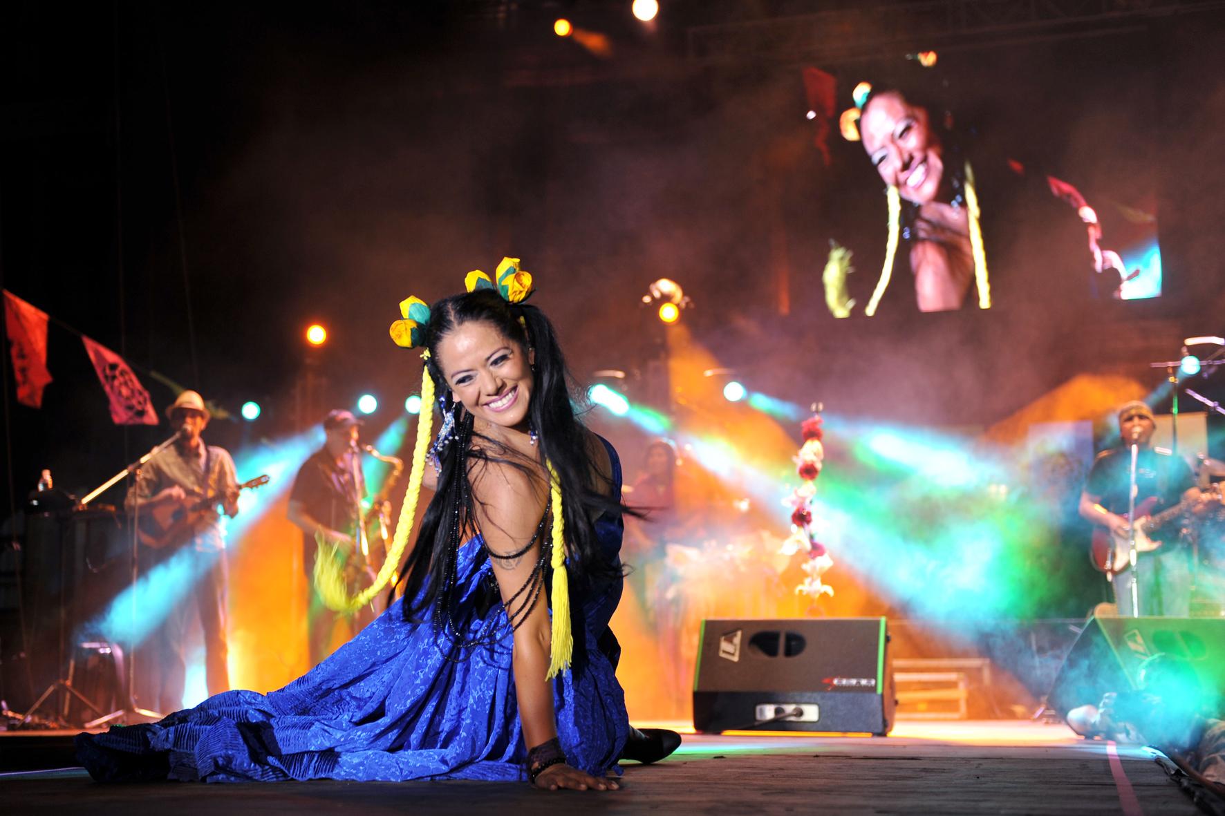 Lila Downs durante un concierto