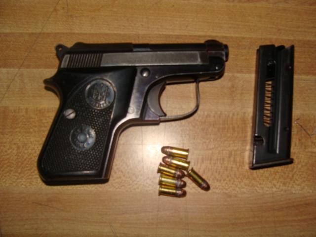 Detienen a cuatro sujetos por supuestos hechos de delito - Pistola para lacar ...