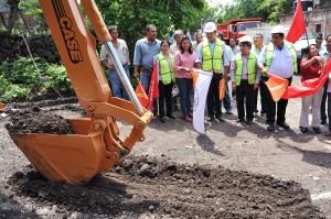 CEA-ARRANQUE DE OBRA CONSTRUCCION RED DE DRENAJE20130712_0449