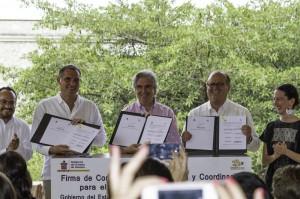 GABINO CUE-GRACO RAMIREZ FIRMA DE CONVENIO (1)