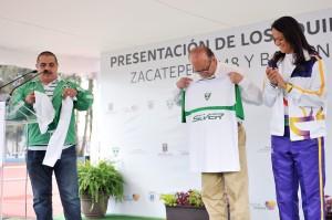 GRACO-PRESENTACION DE LOS EQUIPOS ZACATEPEC 1948 Y BALLENAS GALEANA20130716_0500