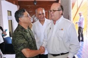 GRACO-REUNION CON FUNCIONARIOS DE LA COMISION NACIONAL DE SEGURIDAD20130801_0151