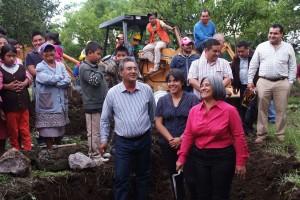 INICIO DE CONSTRUCCION DE PRIMARIA SAN JUAN TLACOTENCO20130813_0344 OK