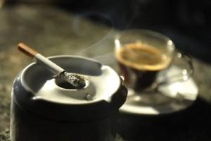 CIGARRO Y CAFE