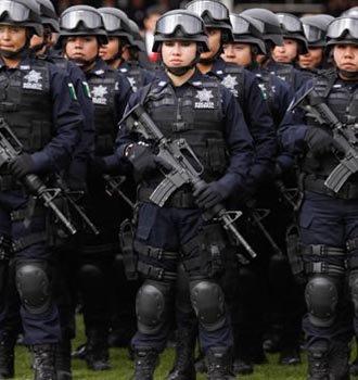Mujer policia de mexico baila desnuda frente a la camara - 3 7
