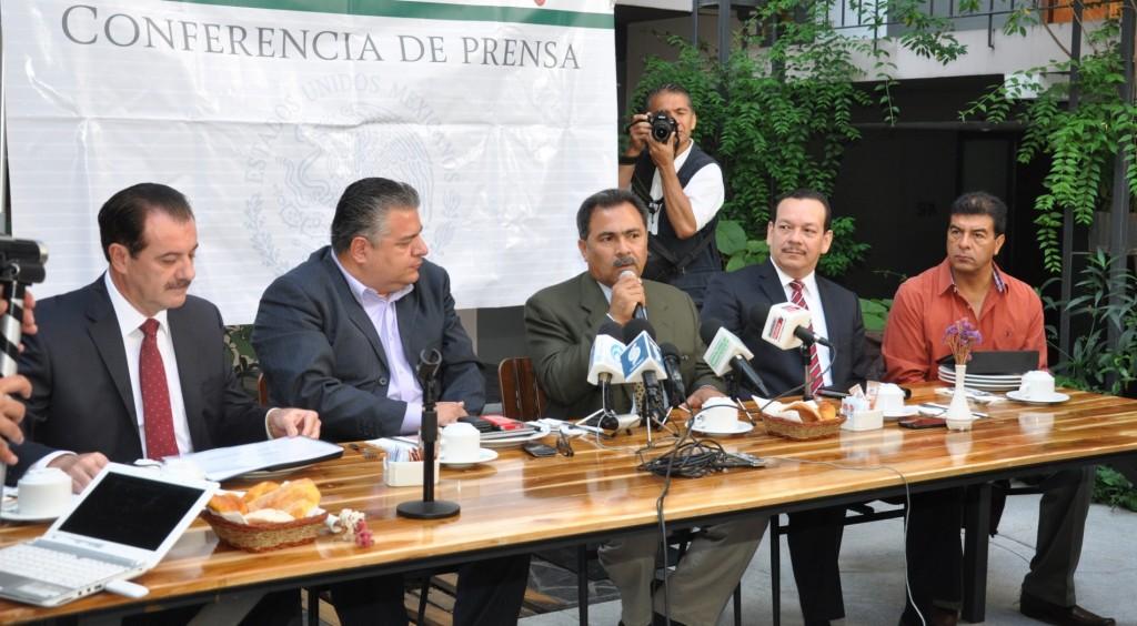 JMB en Conferencia de Prensa con Delegados Federales (3)