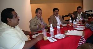 MATÍAS QUIROZ-REUNION DIPUTADOS PRD (1)