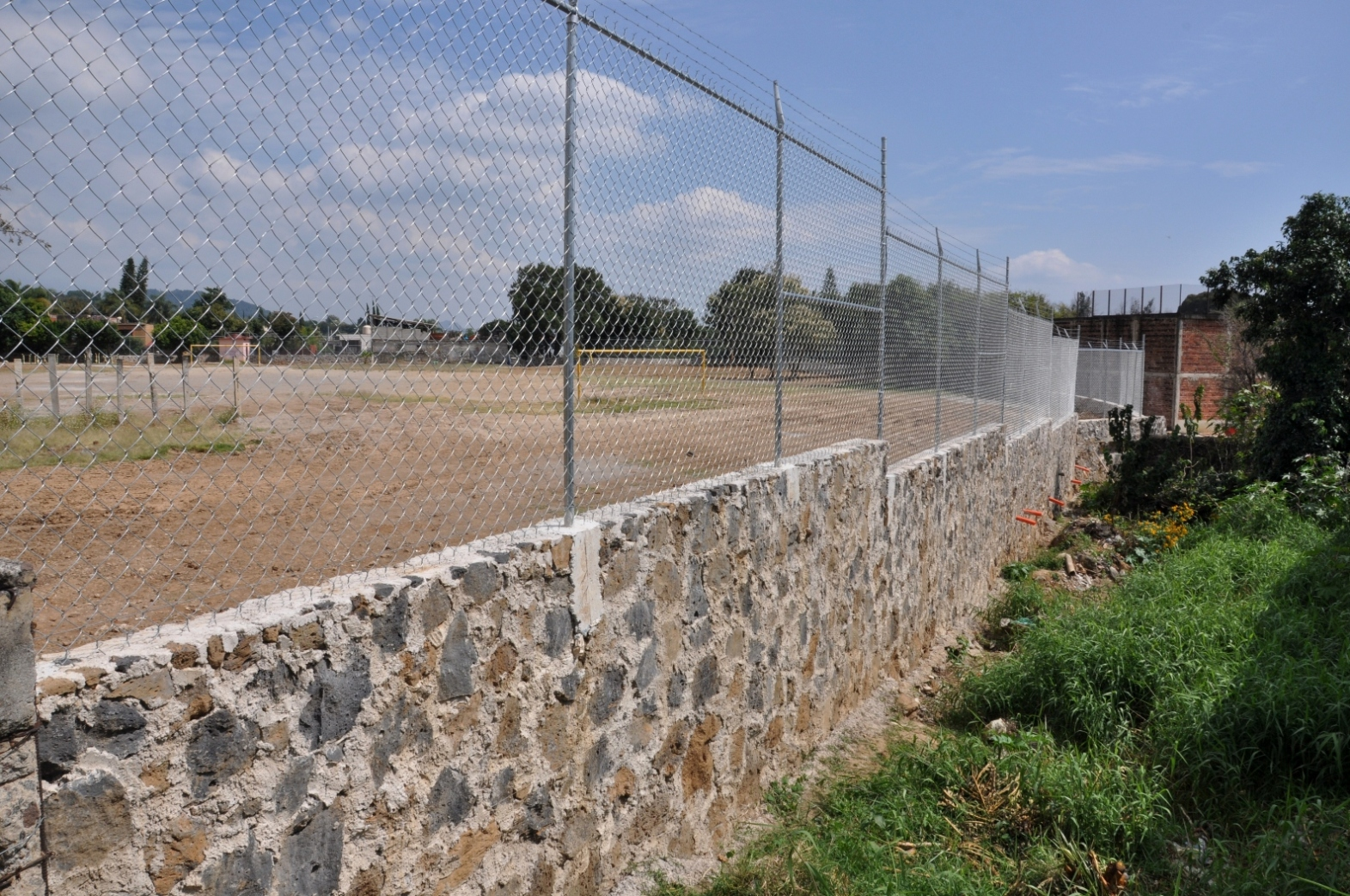 Barda Perimetral, Portón y Ejercitadores del Campo Deportivo No.3 Col. Ocotepec (3)