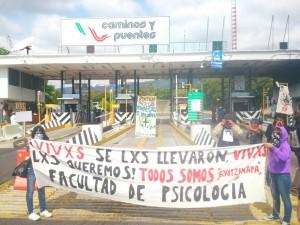 bloqueo caseta  tepoztlán normalistas ayotzinapa