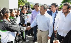 JMB en la Inauguración de la Rehabilitación del Aula Sec. No.8 Pablo Torres Burgos Col. Ocotepec (2)