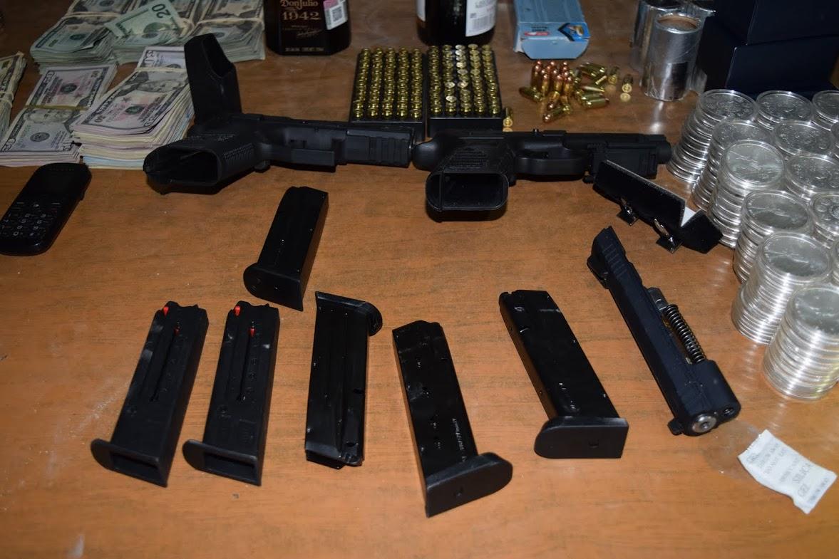 Detienen a 3 con armas y dólares en Atlatlahucan – Zona ...