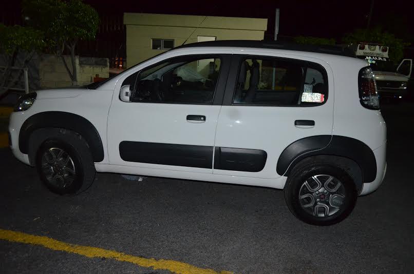 detenidos robo de vehículo  (2)