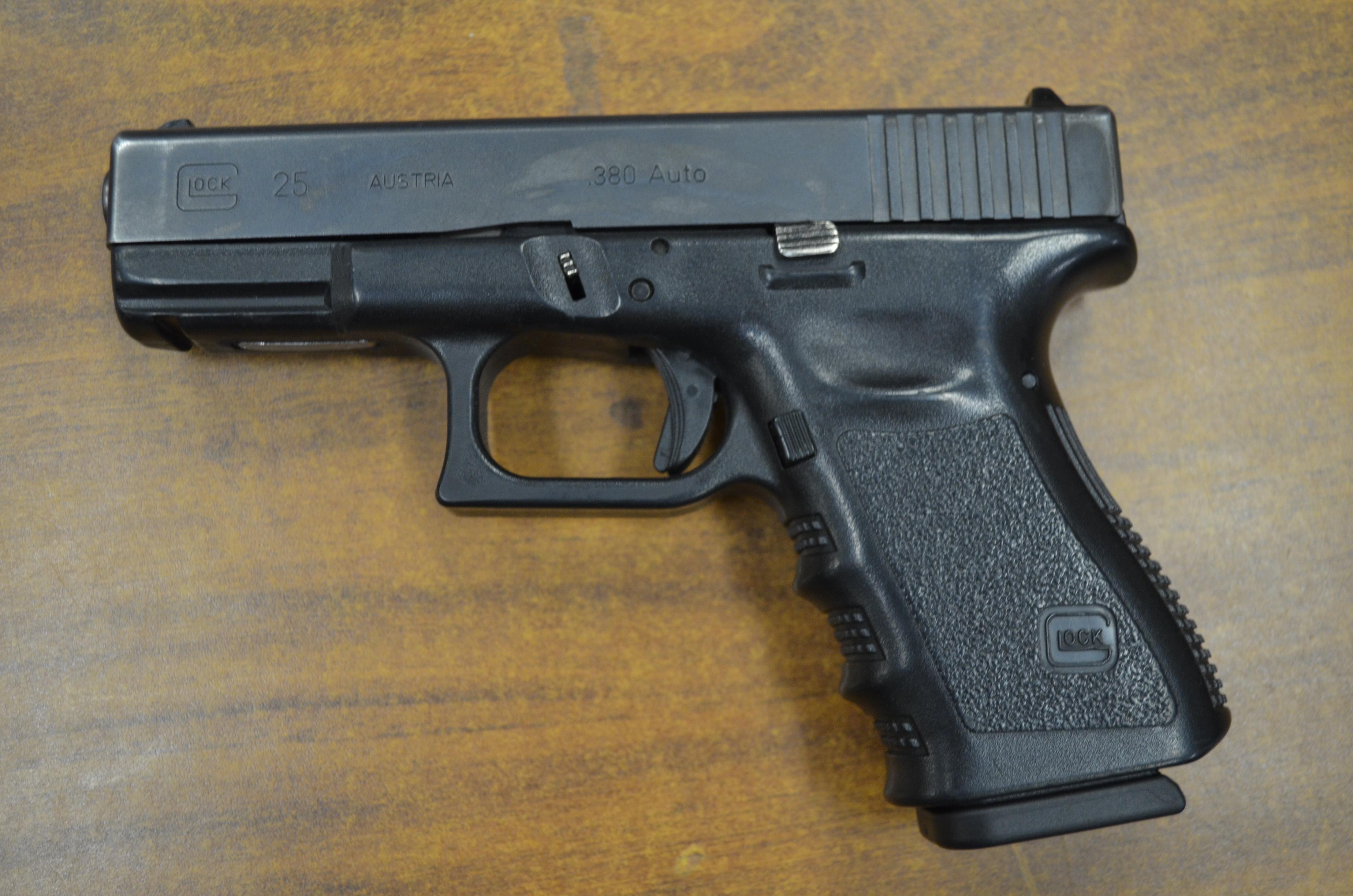 Está prohibido subir armas de fuego como equipaje de mano
