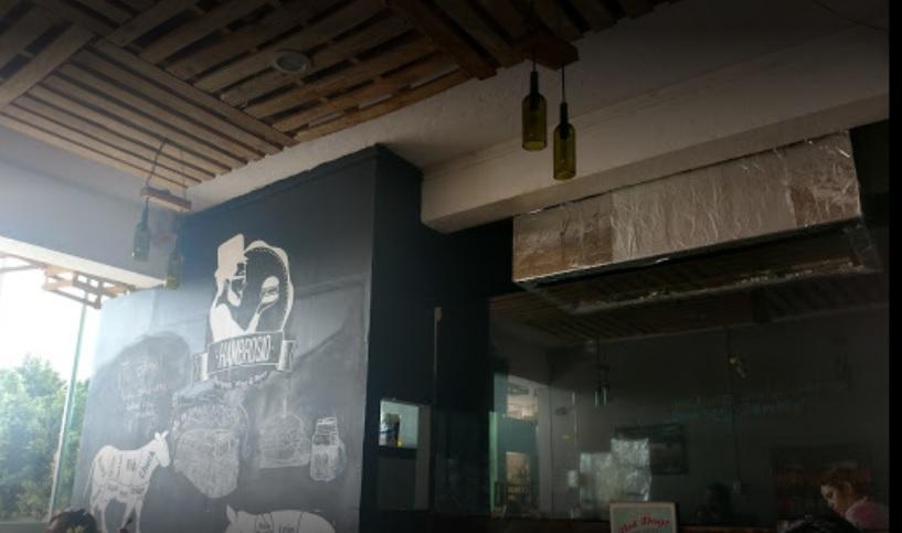 Sujetos Armados Asaltan A Personal Y Clientes Del Restaurante